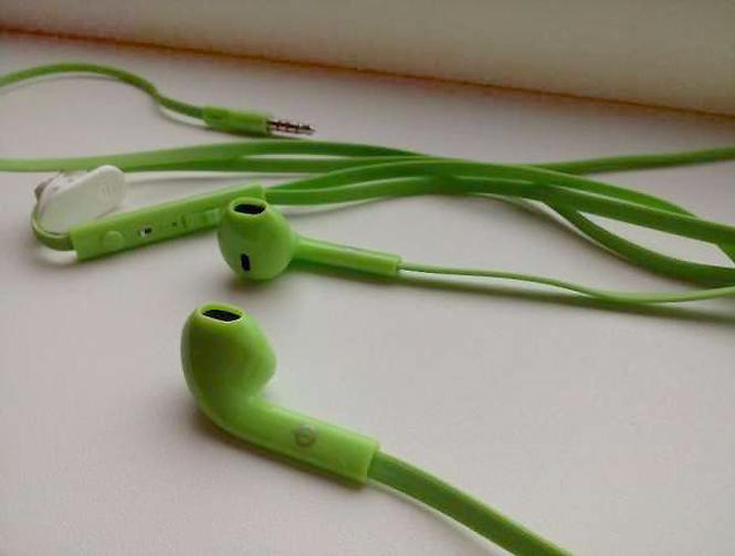 Наушники Nomi - доступное качество звука