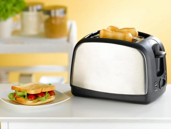 Быстрый завтрак с современным тостером